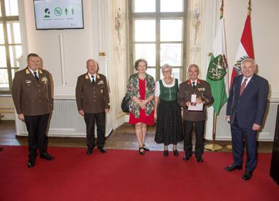 E-HBI Erich Herbst wurde mit dem Silbernen Ehrenzeichen für Verdienste um die Republik Österreich ausgezeichnet